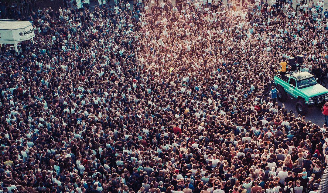 Casper und Marteria spielten ein spontanes Konzert und tausende kamen